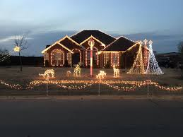 Driveway Tunnel Christmas Lights The Static Display Between Shows Not Pictured Is The 24