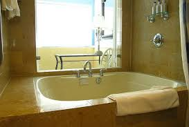 hotel rooms with jacuzzi tubs