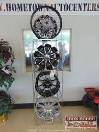 Alloy Wheel Display Stand Iron Horse Auction Auction Auction of Home Town Auto Center 72