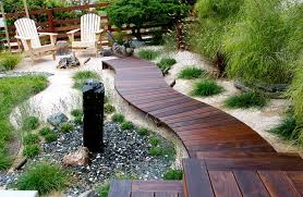 Curved Walkway beach-style-deck