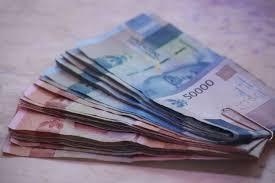 Lakukan 3 Hal Ini sebelum Kamu Meminjamkan Uang kepada Teman - Parapuan