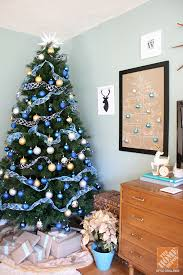 Christmas Decorating by Carrie Waller of Dream Green DIY