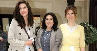 Bergüzar Korel'in ablası Zeynep Korel, 30 yaşında annesinden dayak yediğini  itiraf etti - Haberler Magazin