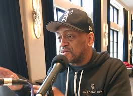 Elections Matter: Off the Record with poet and activist Mario Smith in Hyde  Park | WGN Radio 720 - Chicago's Very Own