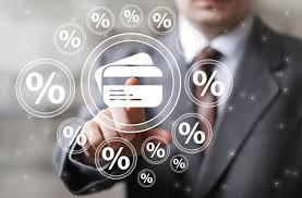 Pożyczki przez Internet popularną alternatywą dla kredytów.