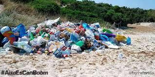 Resultado de imagen de plasticos playa baleares