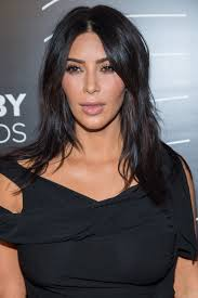 kim kardashian s 2016 webby awards look is her most toned down one yet photos