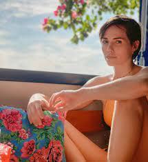 Leticia Colin é clicada pelo marido, Michel Melamed, e brinca que faz dele  o seu fotógrafo | Famosos