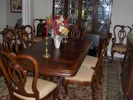 lovely thomasville dining room set table 8 chairs 2 leaves thomasville dining sets