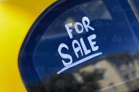 For Sale Sign On Car Image Of For Sale Sign On Car Window Austockphoto