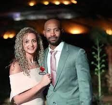 شيكابالا وزوجته بعد فيديو التنمر من جماهير الأهلي - شبابيك