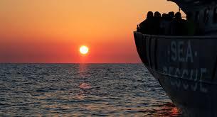 ليبيا - احتجاز مهاجرين نجوا من حادث غرق قاربهم
