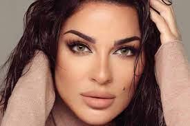 """نادين نجيم تروي تفاصيل إصابتها """"الخطيرة"""" في انفجار بيروت"""
