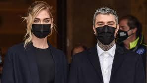 Fedez regala soldi a Milano, mille euro a 5 persone: il gesto