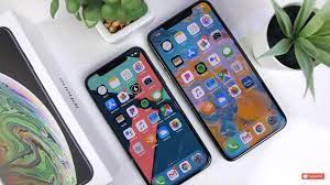 wallpaper on the right.( XS Max ...