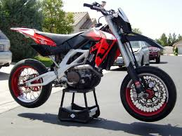 aprilia aprilia sxv 550 motozombdrivecom aprilia sxv 550