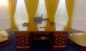 oval office picture. Nixon Library\u0027s Oval Office Replica: A 360-degree Panoramic View \u2013 Orange County Register Picture R