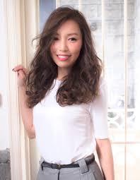 働く女性の大人ロング Yu 180 ヘアカタログ髪型ヘアスタイル