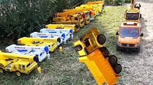 Ô tô cần cẩu cứu máy xúc, đồ chơi ô tô, nhạc thiếu nhi - crane truck,  excavator, car toys, kid music - repacted