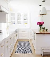 white + wood + brass | White Kitchen | Pinterest | White wood, Gold ...