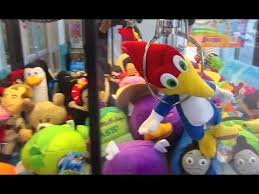 Curious George Vending Machine Extraordinary Woody Wood Pecker Curious George Claw Machine Wins 48 Total YouTube