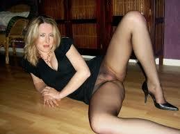 Free nude wife pantyhose pics