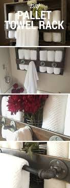 Check out the tutorial: #DIY Pallet Towel Rack #crafts #homedecor