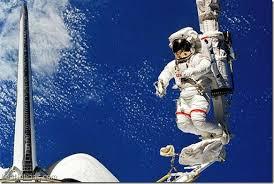 Resultado de imagem para fotos de astronautas en el espacio