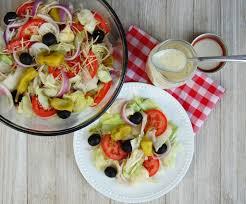olive garden salad with italian dressing