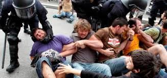 Resultado de imagen de desalojo plaza cataluña en junio 2011