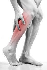 Gespannen spieren in benen