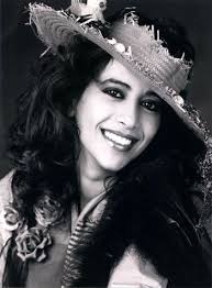 Ofra Haza, one of the few non-metal/rock singers that I simply adore. | Ofra  haza, Arab beauty, Beautiful voice