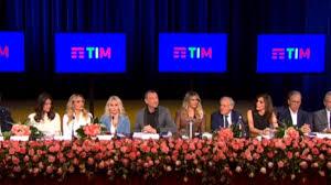 Le 10 conduttrici di Sanremo 2020
