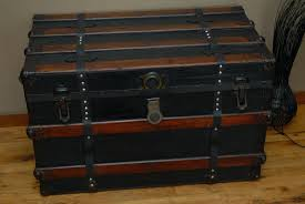 Luggage With Drawers Coffee Table Antique Steamer Trunk Luggage Coffee Table Dsteamer
