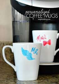 How to make personalized coffee mugs - great gift idea!