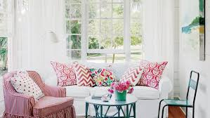 coastal living room decorating ideas. this laidback living room is the definition of classic beach cottage style. as one coastal decorating ideas v