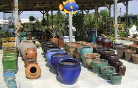 choosing light garden pots