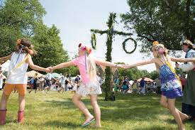 How Do You Celebrate Swedish Midsommar In Rockford Il