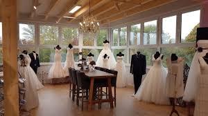 In professionellen brautmodengeschäften finden sie alle accessoires und natürlich auch die hochzeitskleider. Dienstleistungsgebaude Hochzeitsmanufaktur Fritzlar De Dekorplast