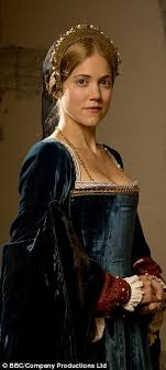 like other women of her time mary boleyn here pla by charity wakefield
