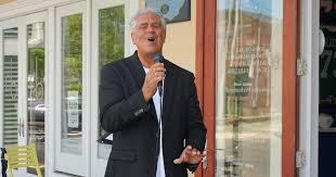 Bob Marino Sings at Peter Grandich & Company   Resolution Promotions
