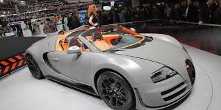 A sportier veyron that offered a more extreme driving experience, the bugatti veyron super sport unveiled in 2010 at the monterey motorsports reunion was the fastest thing on wheels at the time. 2013 Bugatti Veyron 16 4 Grand Sport Vitesse Photos And Specs Roadandtrack Com