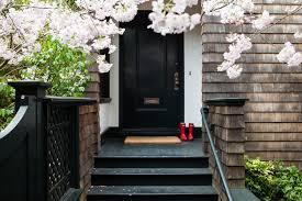 painting front doorPaint the Front Door 10 Helpful Tips