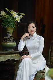 Image result for thiếu nữ áo dài trắng đẹp