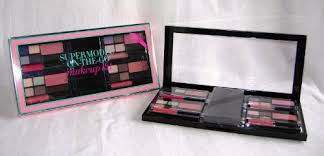 victoria 39 s secret supermodel on the go makeup kit at low s in india amazon