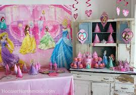 princess party cupcakes and
