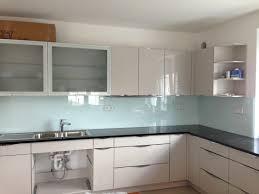 ideen für küchenrückwand glas metall fliesen holz