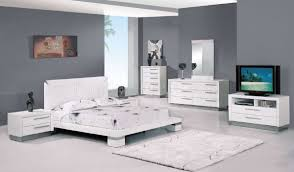 White Gloss Furniture For Living Room White High Gloss Finish Modern Platform Bedroom Set