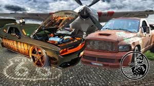 Dodge Challenger SRT 8 vs Dodge RAM SRT 10 RatRam - YouTube