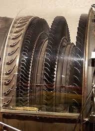 Двигатель j Компрессор двигателя Турбина двигателя